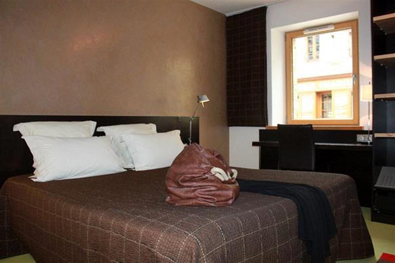 Chambre Contemporaine - Chambres de l\'hôtel à Lohéac - Chambre ...